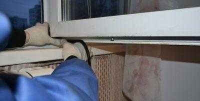 замена резинового утеплителя на окне